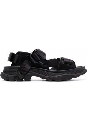 Alexander McQueen Muži Bez podpadku - Tread flat sandals