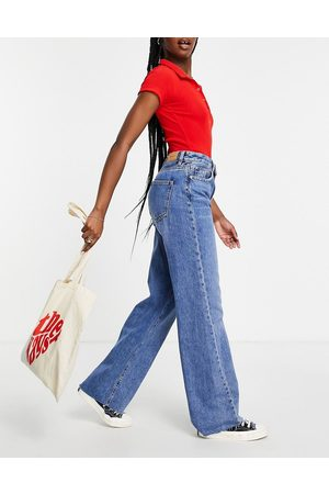 Stradivarius Wide leg jeans with seam detail in light wash-Blue