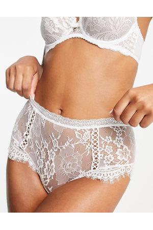ASOS Ženy Spodní prádlo soupravy - Bridal Florence lace high waist knicker with rickrack trim in white