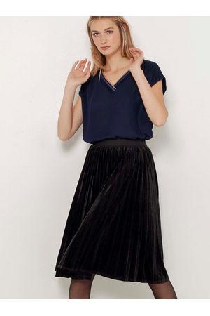 Camaïeu Černá plisovaná sametová sukně
