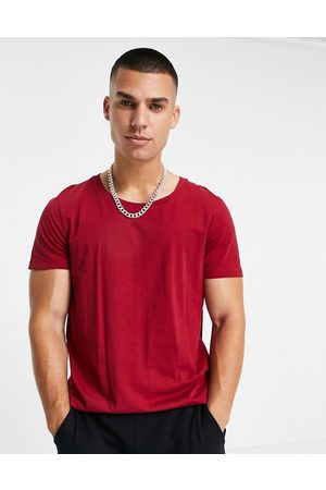 ASOS Organic t-shirt with scoop neck in burgundy-Red