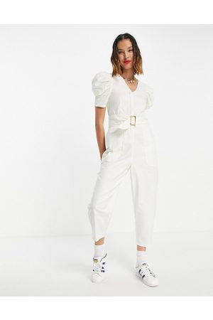 Urban Revivo Ženy Overaly dlouhé - Belted puff sleeve jumpsuit in off white