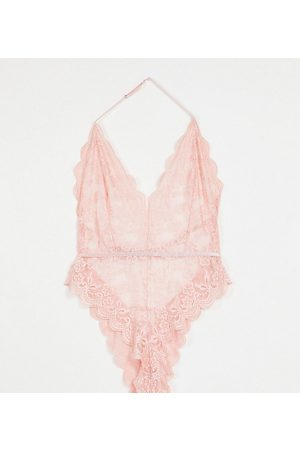 I Saw It First Curve I Saw It First Plus lace body in pink