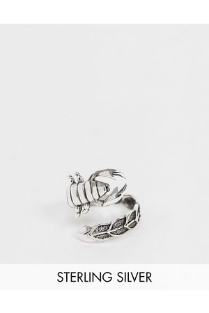 ASOS Muži Prstýnky - Sterling silver ring with wraparound scorpion in burnished silver