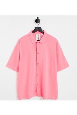 Collusion S krátkým rukávem - Unisex oversized short sleeve shirt in heavy rib fabric in neon pink