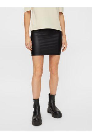 Pieces Černá koženková pouzdrová mini sukně New Shiny