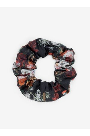 BeWooden Látková gumička do vlasů Roses Rubber Band