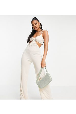 Missyempire Ženy Overaly dlouhé - Exclusive cut out strappy jumpsuit in ivory-White