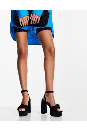 ASOS Ženy S otevřenou špičkou - Note knotted platform heeled sandals in black