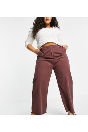 Native Youth Ženy Široké nohavice - Relaxed wide leg jeans in frayed chocolate-Brown