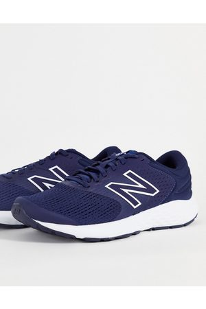 New Balance 520 V7 trainers in navy