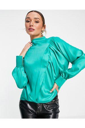ASOS Ženy S dlouhým rukávem - High neck drape long sleeve smock with ruched seam detail in green