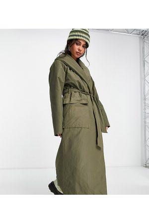 COLLUSION Nylon wadded maxi trench coat in khaki-Green