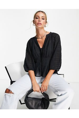 French Connection Ženy Zavinovací - Cora wrap top with waistband detail and sheet sleeves in black