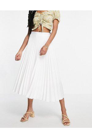 Closet Closet Pleated Skirt-White