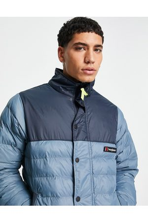 Berghaus Muži Péřové bundy - Insulated puffer jacket in navy