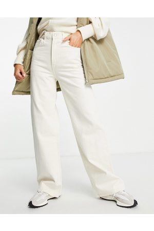 Levi's Levi's ribcage wide leg jeans in ecru-White