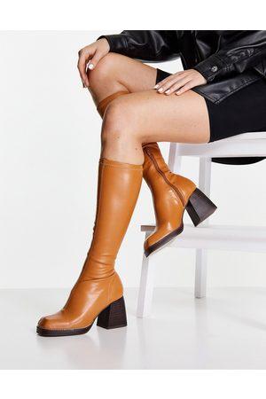 ASOS Ženy Nad kolena - Cosmos square toe knee boots in camel-Neutral