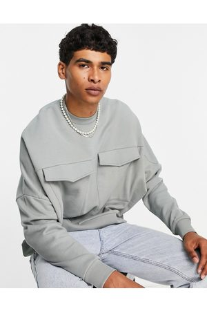 ASOS Muži Mikiny bez kapuce - Relaxed boxy sweatshirt with utility pockets in grey