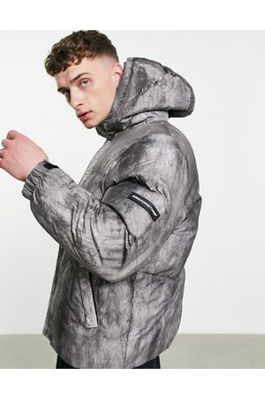 Good For Nothing Boxy puffer jacket in black pigment print