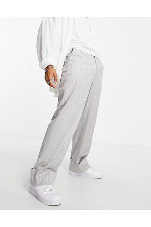 ASOS Muži Chino - Wide leg smart trouser with deep turn up in grey marl pin stripe