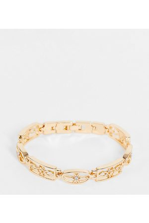 Reclaimed Inspired bracelet with antique pattern in gold
