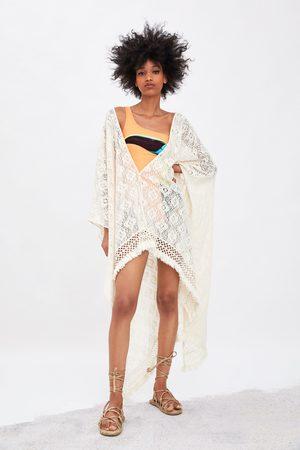 Zara Kimono se strukturou a třásněmi