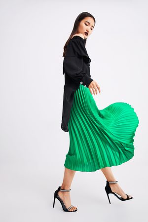 5bdb4d7dc129 Nakupujte dámské plisovaná značky Zara Online