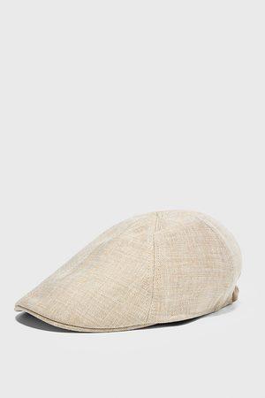 Zara Lněná čepice se strukturou