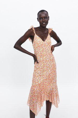 Zara šaty s volánem a květinovým potiskem