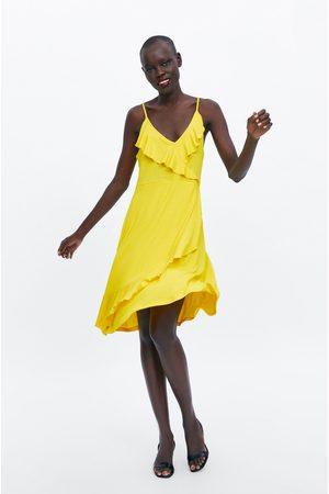 Zara šaty na ramínka s volánem