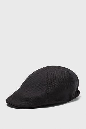 Zara čepice se strukturou piké