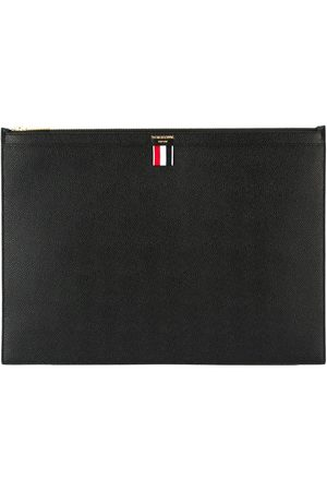 Thom Browne Large Zipper Laptop Holder (39X28CM) In Pebble Grain