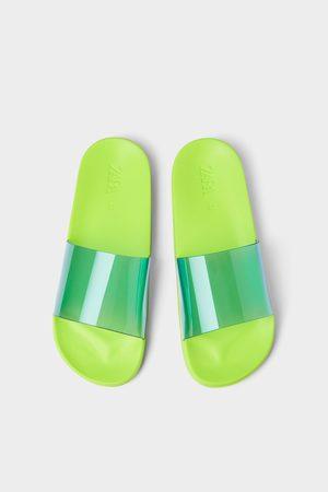 Zara Muži Sandály - Vinylové sandály s páskem přes nárt