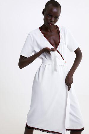 Zara Překřížené šaty s kombinovanými lemy