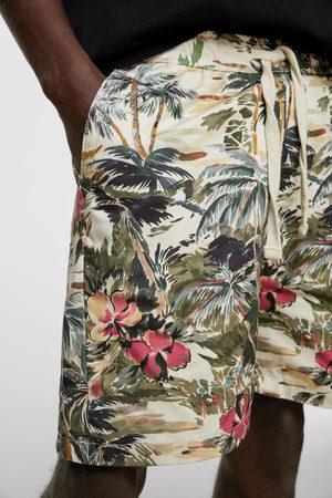 Zara Bermudy s tropickým potiskem